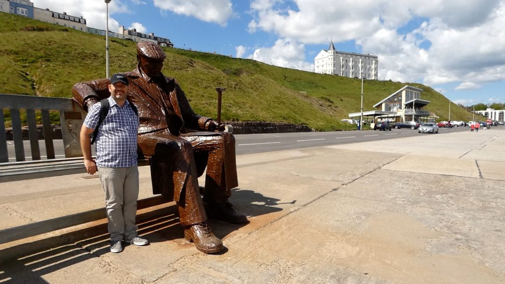 Freddie Gilroy Statue Scarborough