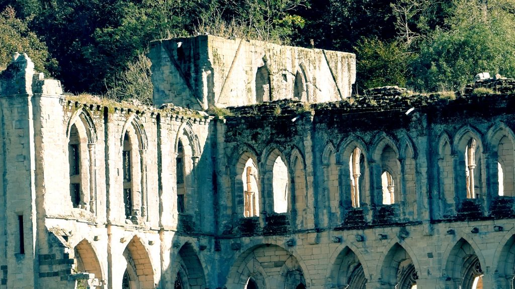 Abbey Tower Helmsley to Rievaulx